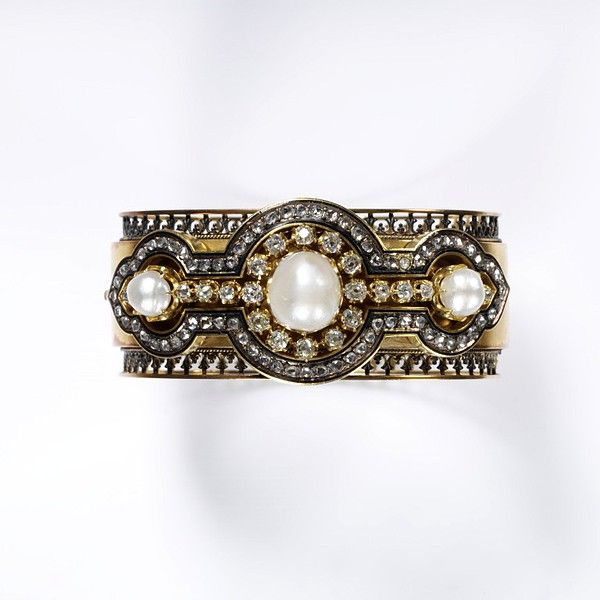 Diamond and pearl bracelet.