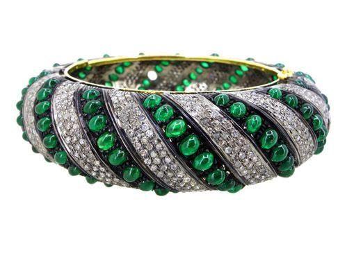 27ct Emerald Cabachon 7.94 Diamond 14Kt Gold Bangle