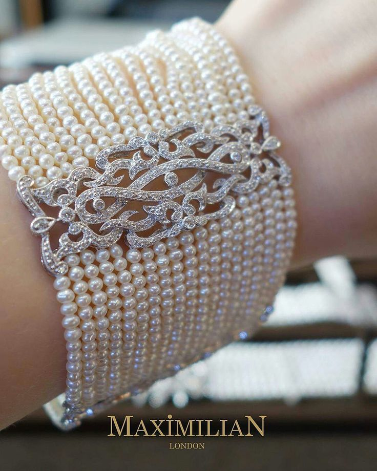 @maximilianlondon. Pearls and diamonds bracelet.