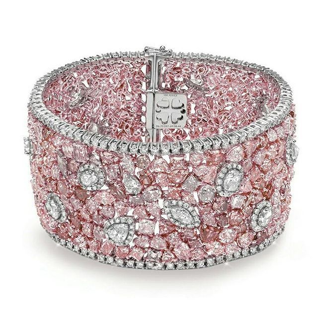 Almor Design Pink diamond bracelet | You can see the Rest of the Outfit and my C...