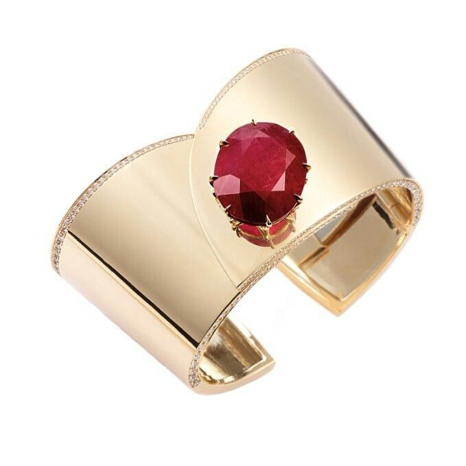 Gemfields #rubystories  A closer look at the exceptional Fred Leighton cuff feat...