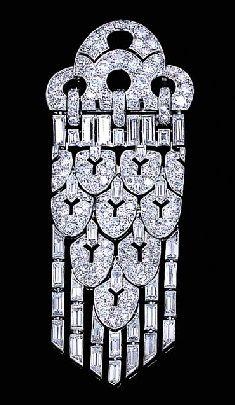 A DIAMOND PENDENT BROOCH, BY LACLOCHE FRÉRES. circa 1929