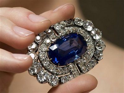 Brooches Brooch From A Sapphire And Diamond Demi Parure