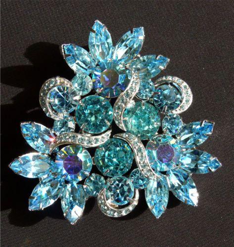 Gorgeous-Vtg-Kramer-Blue-Rhinestone-Brooch-Earrings-2-Pc-Set