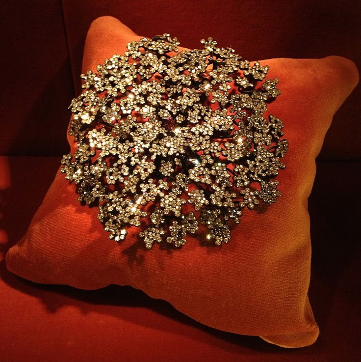 JAR ~ Carrot Flower Brooch, 2009 ~ Diamonds, rubies, silver, gold. Mrs. Carol Yu...