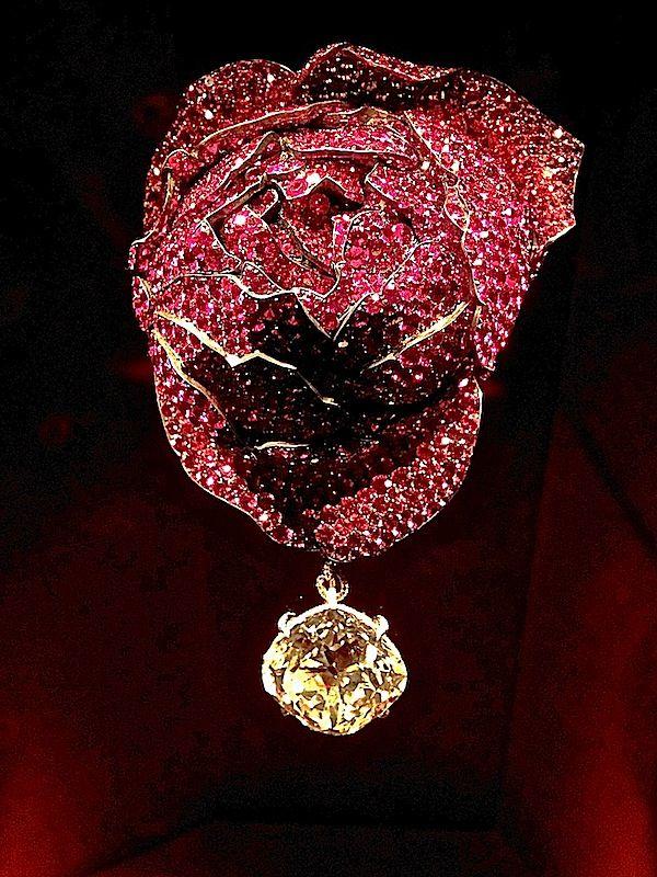 JAR Rose Brooch, 2013 Rubies, sapphires, spinels, diamonds, silver, gold.