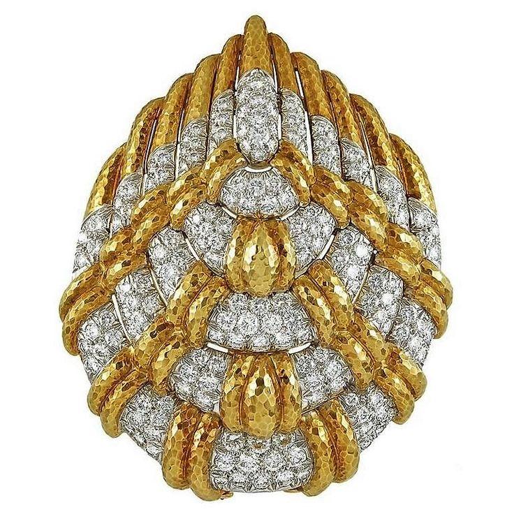 YAFA SIGNED JEWELS_David Webb Diamond Gold Brooch (jm)