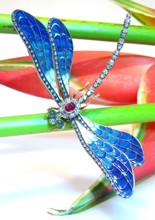 RARE DRAGON-FLY BROOCH, ART NOUVEAU ABOUT 1900, WITH ENAMEL, DIAMONDS, EMERALDS ...