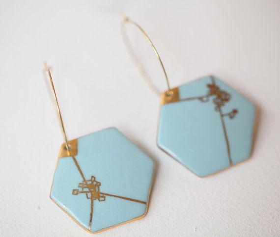 Blu Dyle. Orecchini geometrici blu e oro di di Gouttedeterre  ♦F&I♦