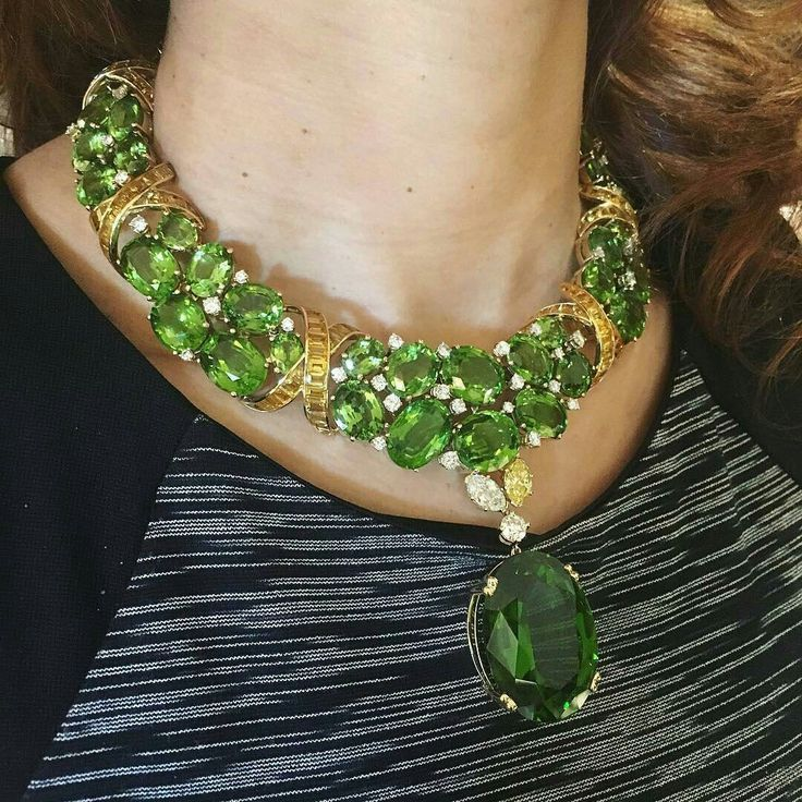 A glorious necklace by Verdura jewelry