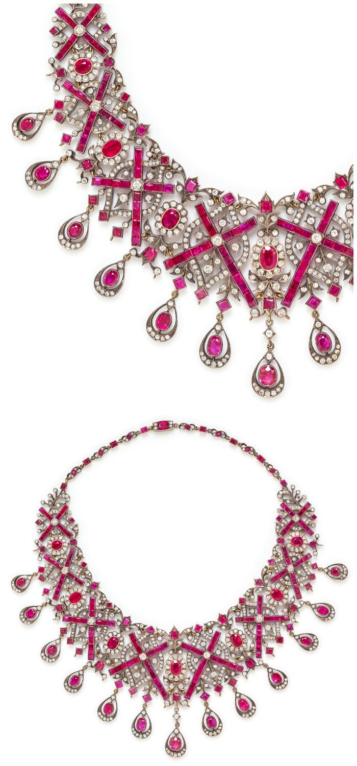 Necklace Collection : A magnificent diamond and Burmese ruby bib