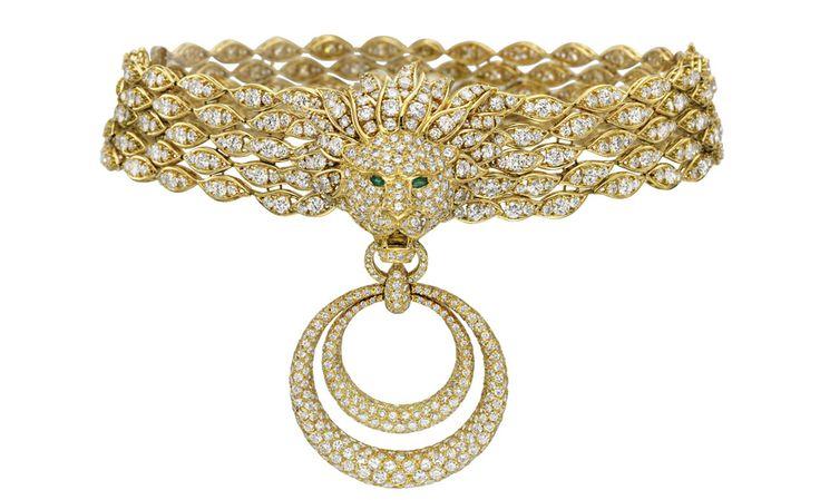 Diamond and emerald collar.