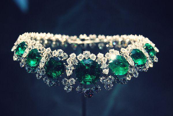 Emerald choker.