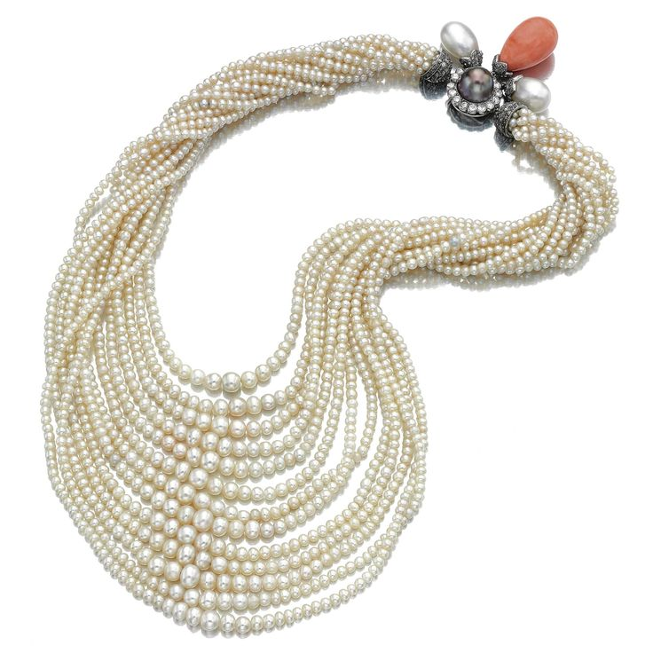 PEARL, CORAL AND DIAMOND NECKLACE, MONTURE CARTIER, 1930S Composed of thirteen r...