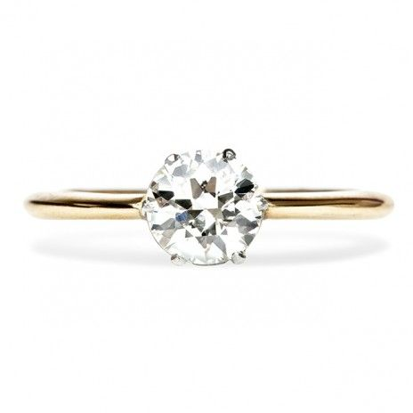 Such a classic engagement ring!