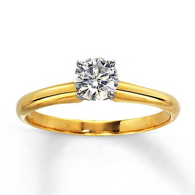 solitaire diamond with gold band