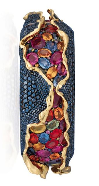 [IMAGE 3, BRACELET} An unusual suite of coloured diamond and coloured sapphire &...