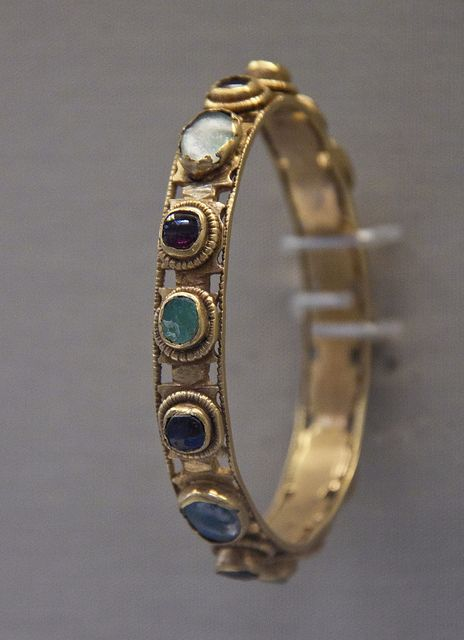 Gold bracelet, Roman, 4c AD.