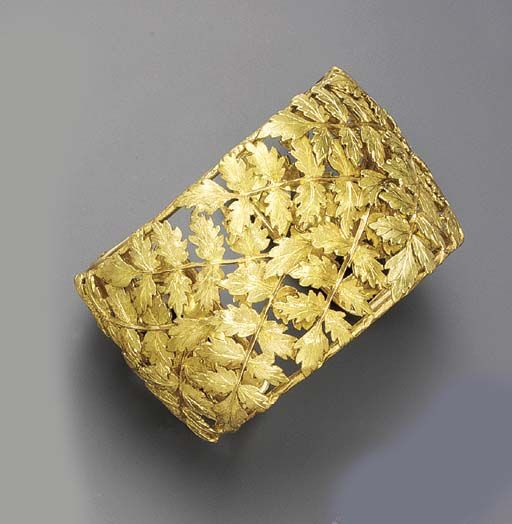 Gold Bangle Bracelet by, Buccelatti ~ {By Far one of the most tastefully gorgeou...