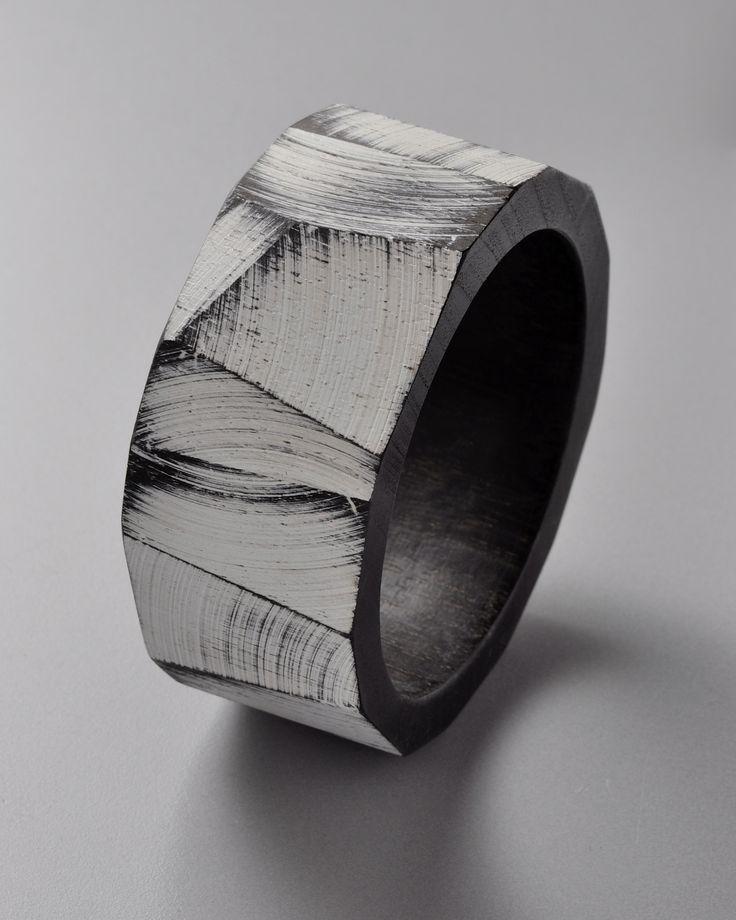 Julia Turner, Bracelet, Wood, paint.