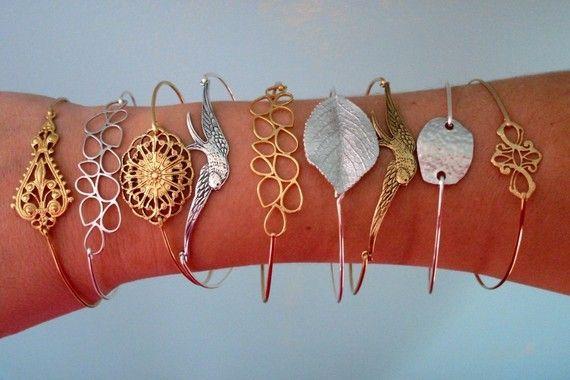 Bangle Bracelet Miranda - Gold Tone, Coral Red