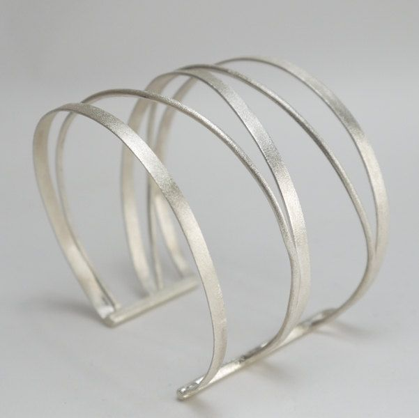Bracelets Trends : Statement silver cuff  Made of silver wires