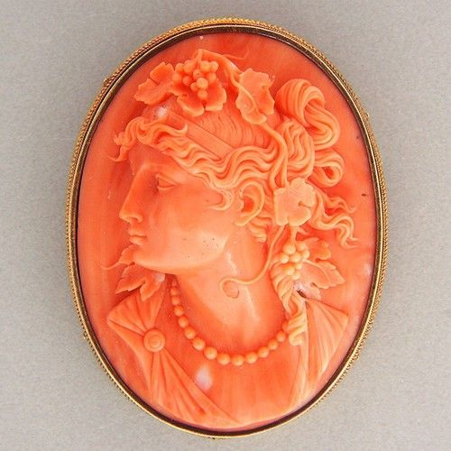 Antique Victorian High-Relief Carved Coral Cameo 18K Yellow Gold Brooch.