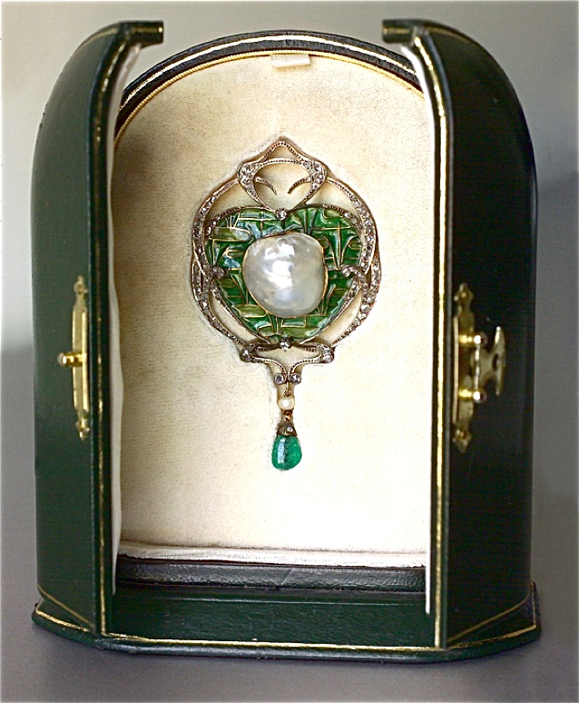 FONSEQUE & OLIVE  An Impressive Belle Epoque Brooch-Pendant   Gold Silver Plique...