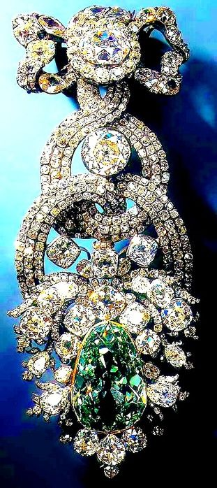 THE DIAMOND FUND OF RUSSIA, MOSCOW KREMLIN ~ The Romanovs jewelry, the 19th cent...