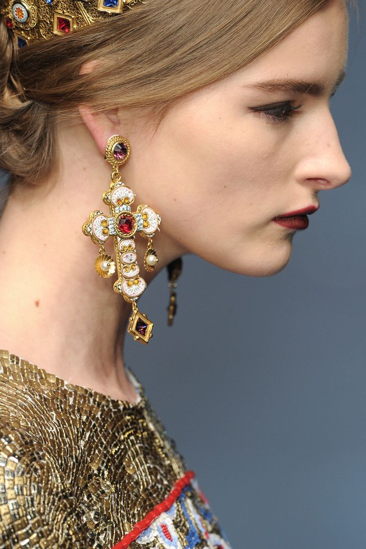 Dolce & Gabbana at Milan Fall 2013 (Details)  ♦F&I♦