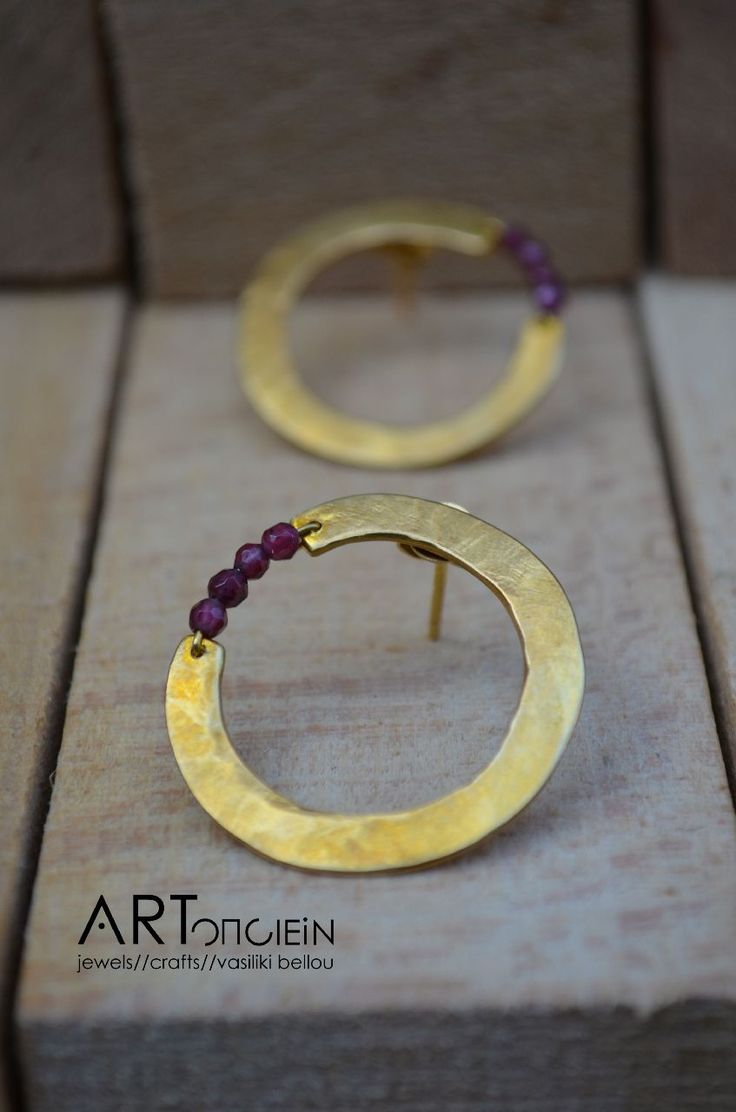 Gold-plated silver earrings at ARTopoiein jewels
