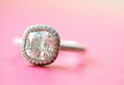 Beautiful engagement ring | Photo by Jose Villa