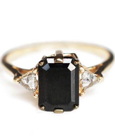 Black Diamond Bea Ring