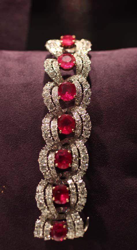 Cartier Ruby Bracelet. Sold at auction in December 2011 for $842,500. #Elizabeth...