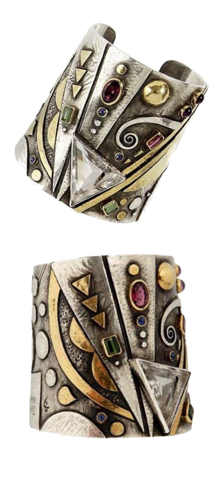 Cuff bracelet | Linda Ladurner.