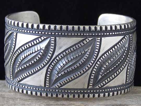 Bracelets Trends : Harrison Jim Cold
