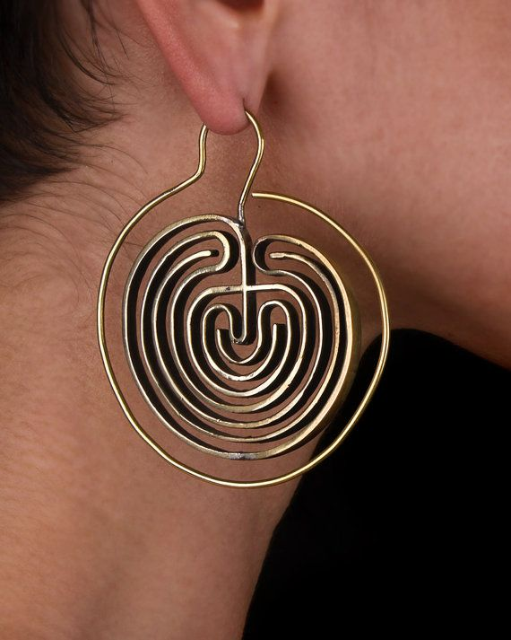 Labyrinth ear hoops