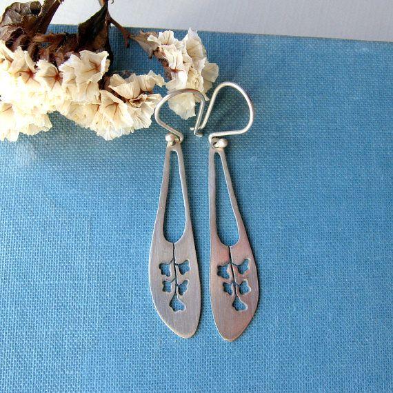 Sterling silver flower long earrings. by lunahoo on Etsy