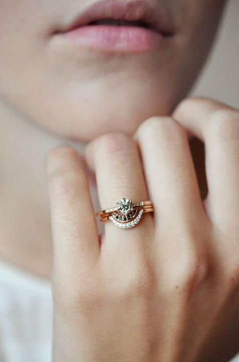 Bohemian Jewels / Wedding Band Stacks (instagram @the_lane)