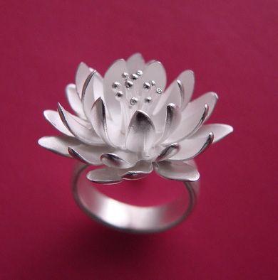 #FlowerShop - ELISE MORAN-USA ring
