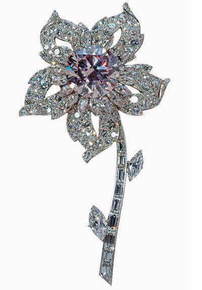 Queen Elizabeth II Diamond Jubilee 2012 Williamson Diamond Brooch has a 23.6 car...