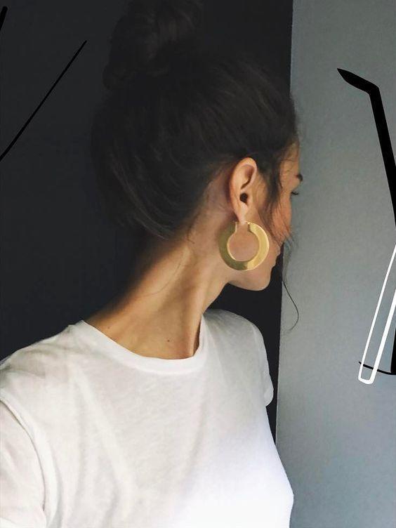 Photo credits: www.recreoviral.c... jewelry, earrings, minimal, hoop earrings, m...