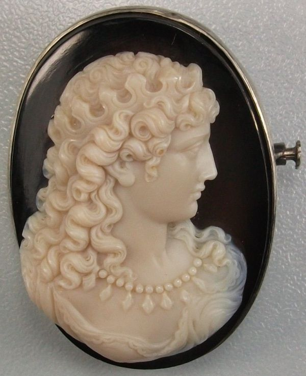 Antique Cameos: old victorian, shell, coral and hardstone cameos, vintage jewell...