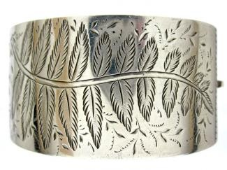 Silver Fern Engraved Bangle