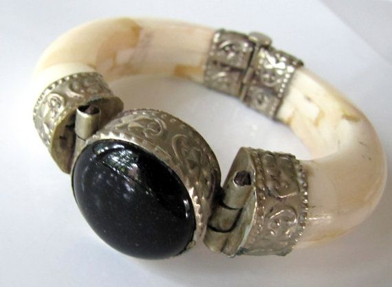 Vintage Ox Bone & Onyx Hinged Cuff by TheButterflyBoxdeitz on Etsy, $80.00