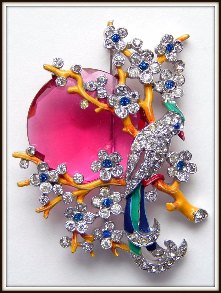 Brooches Jewels : Vintage Trifari Brooch Bird in Branches