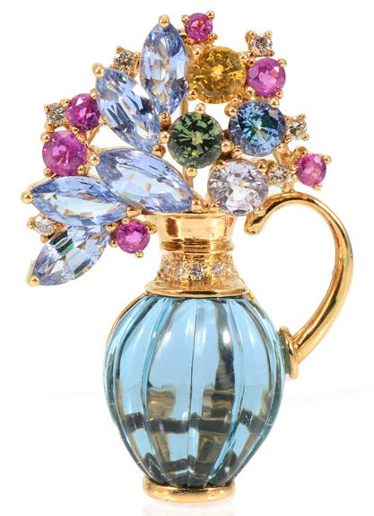 18K TOPAZ, DIAMOND AND SAPPHIRE FIGURAL BROOCH / PENDANT: 18k yellow gold pin in...