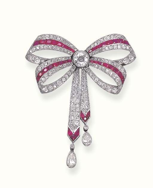 A BELLE EPOQUE RUBY AND DIAMOND BROOCH - Christie's