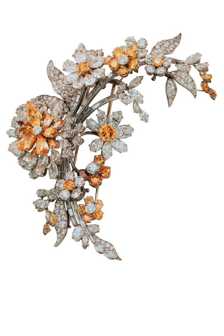 Bulgari. Tremblant platinum brooch with yellow and white diamonds (1962). COURTE...