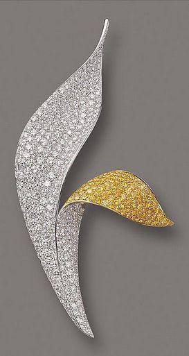 DIAMOND BROOCH by DAVID MORRIS so elegant, imagine that against a black jumper (...